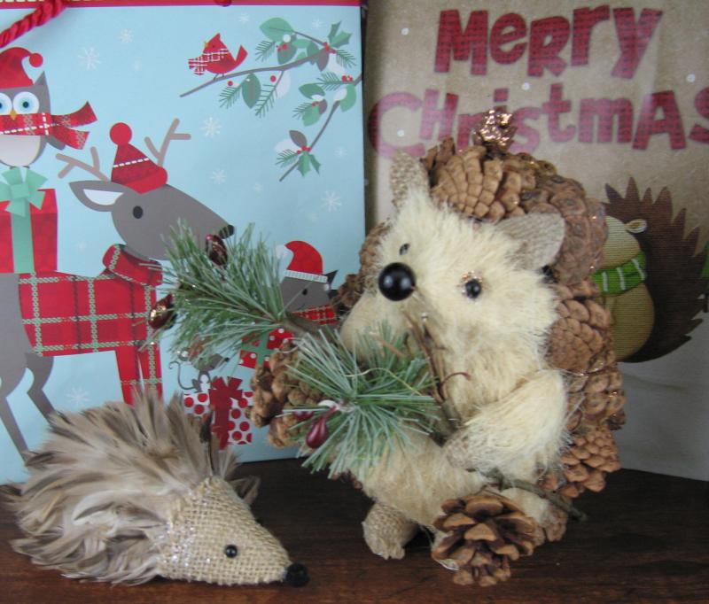 Christmashedgehogs2
